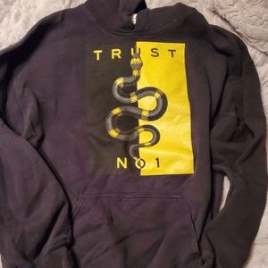 🎀2 for $12 item trust no one hoodie
